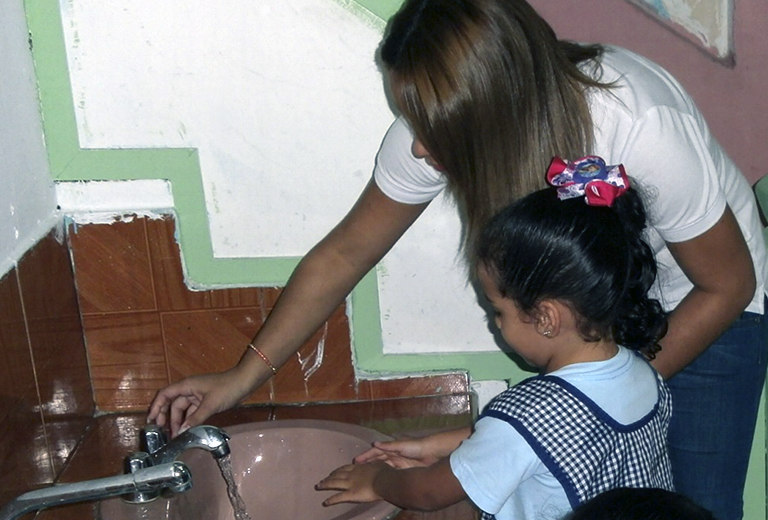 The María Auxiliadora Stimulation and Learning Foundation provides a balanced diet to 100 children