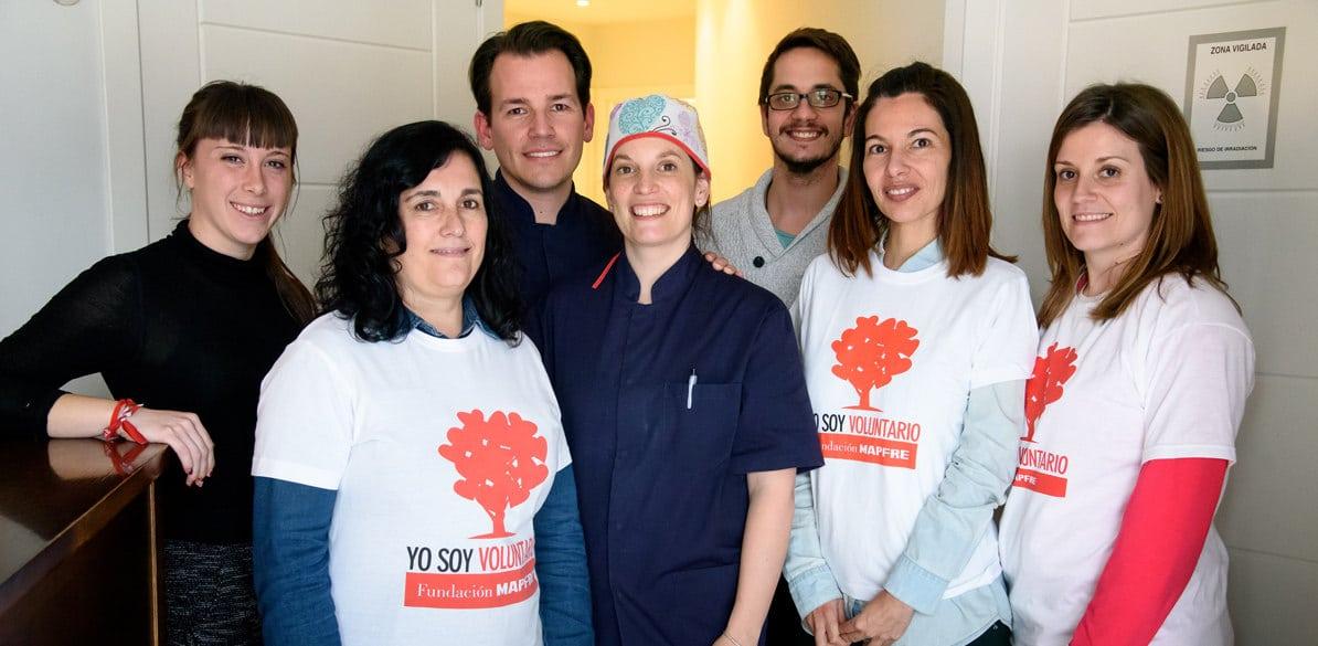 Odontólogos voluntarios ponen sus servicios al alcance de familias sin recursos