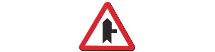 Intersección con prioridad sobre vía a la derecha