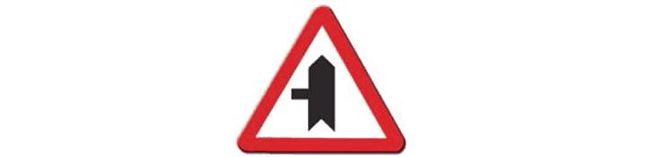 Intersección con prioridad sobre vía a la izquierda