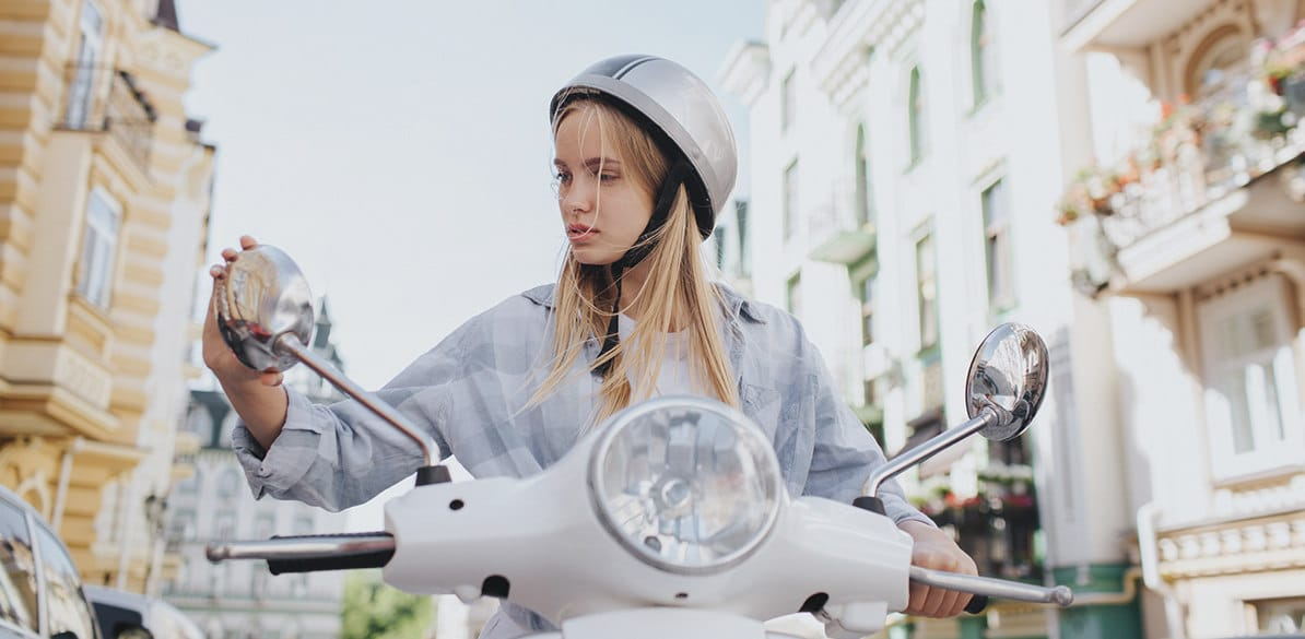 The motorcyclist is, along with pedestrians and cyclists, one of the most vulnerable groups