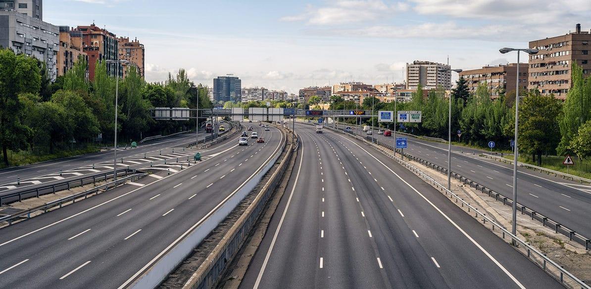 Se han tomado medidas para reducir la contaminación en Madrid de las que las motos quedan exentas