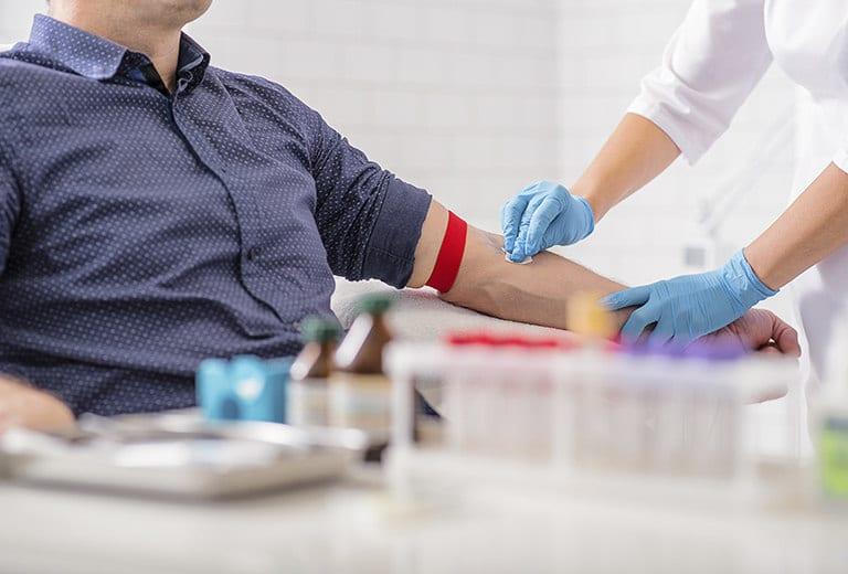 Hemocromatosis, transfusión sanguínea y trastornos mieloproloferativos, que interfieren en la conducción