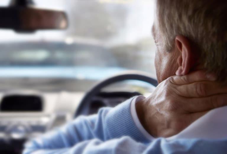 Procesos intrínsecos de la extremidad superior que interfieren con la conducción