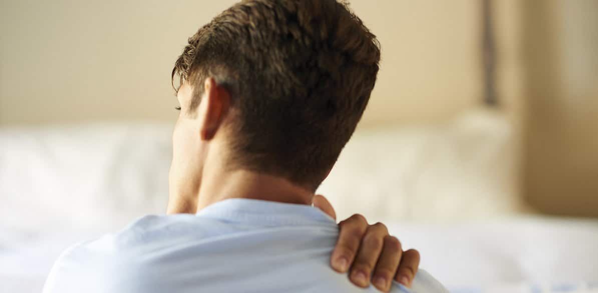 Descubre cómo afecta el dolor de cuello o de hombro, así como el tortícolis espasmódico en la conducción