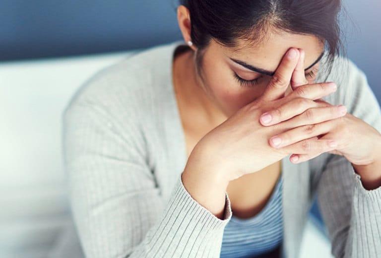Trastornos neuróticos obsesivocompulsivos y por conversión, estrés postraumático, y su repercusión en el conductor