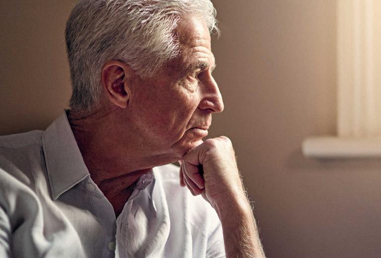 Enfermo de Alzheimer, su cuidador, y la conducción
