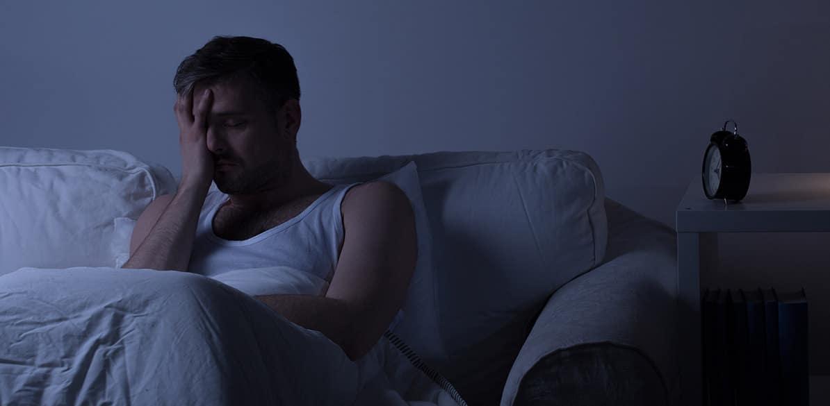 Se caracteriza por la dificultad para conciliar el sueño o alteraciones en el patrón del sueño