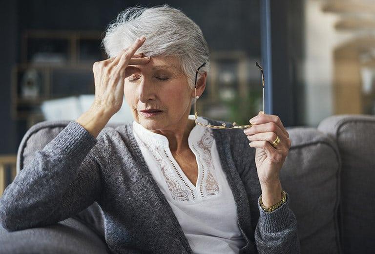 Neuralgia del trigémino, algias vasculares de la cara, arteritis temporal y su influencia en la conducción
